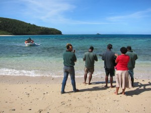 Mantaray Island Resort Staff Greet New Arrivals