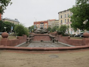 Szczecin has a fetish for ship anchors, especially when the original statue goes missing after WW2